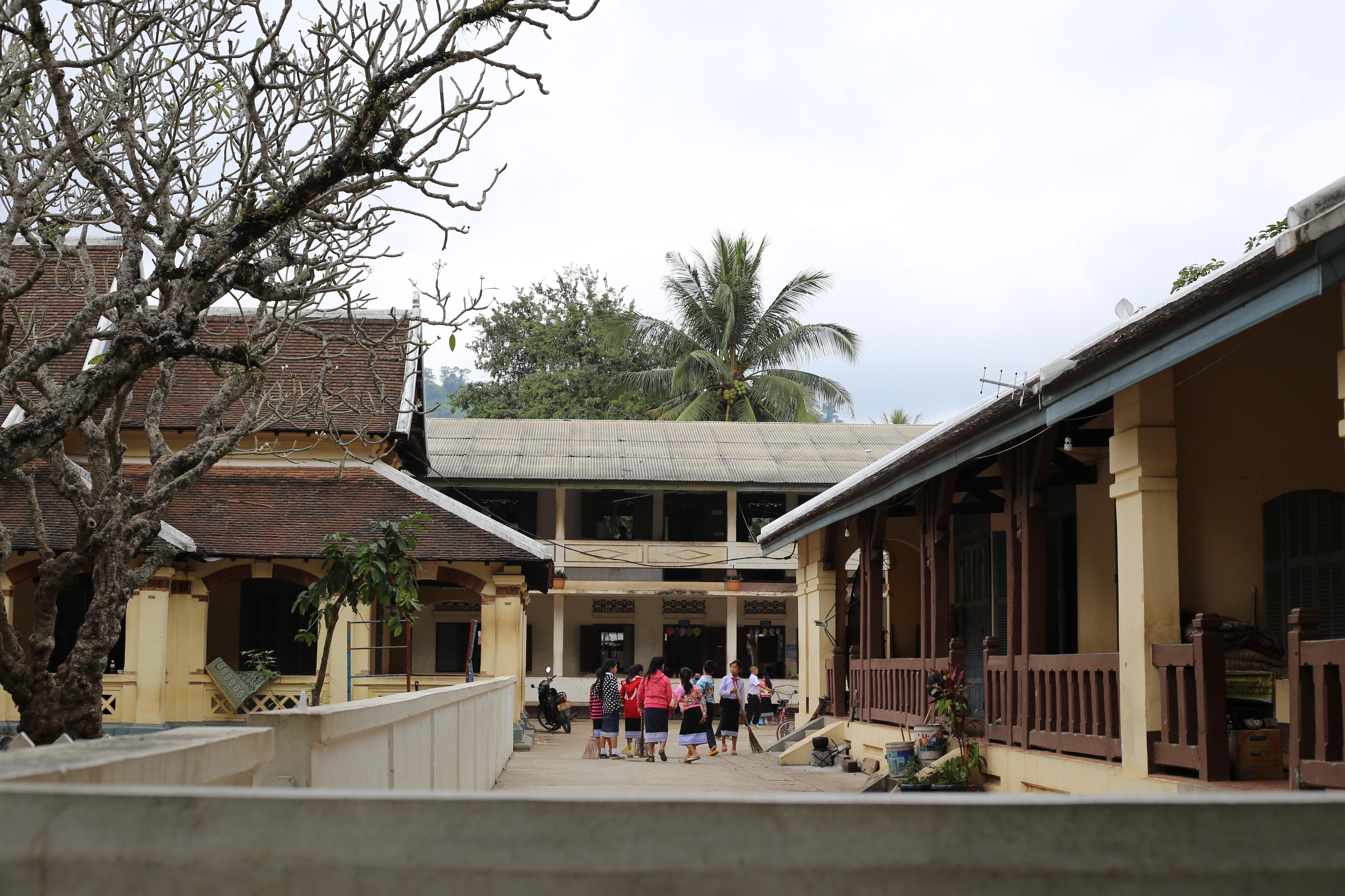 Escola no centro de Luang Prabang. (Foto: Nathalia Tavolieri / Viagem em Detalhes)