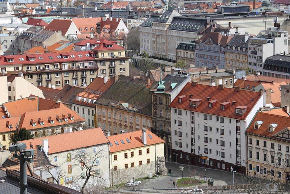 A cidade de Bratislava é um ótimo bate e volta para fazer a partir de Viena! Confira o que fazer por lá nesse post!