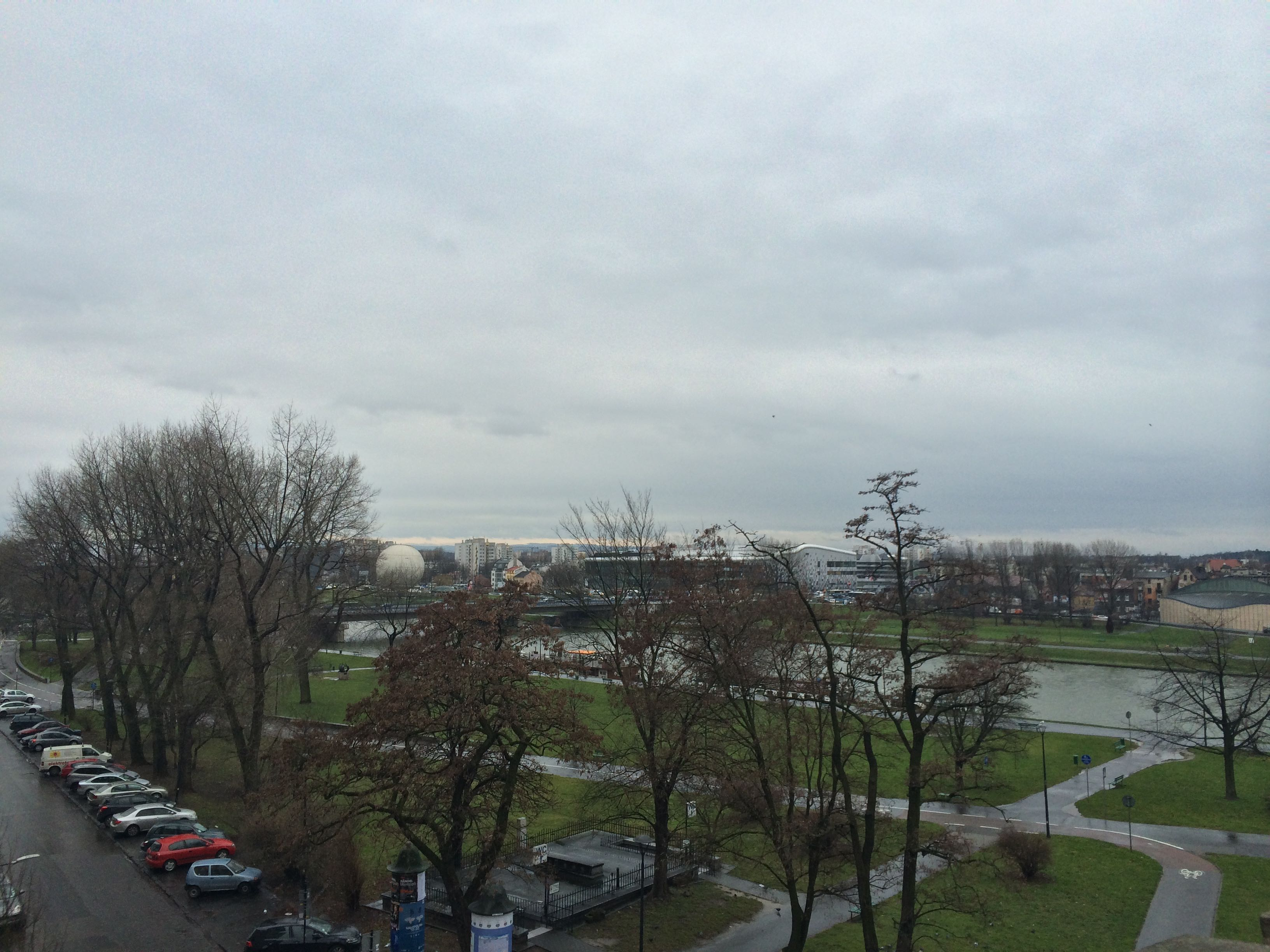 Muita ventania nas margens do rio Vístula. (Foto: Nathalia Tavolieri)
