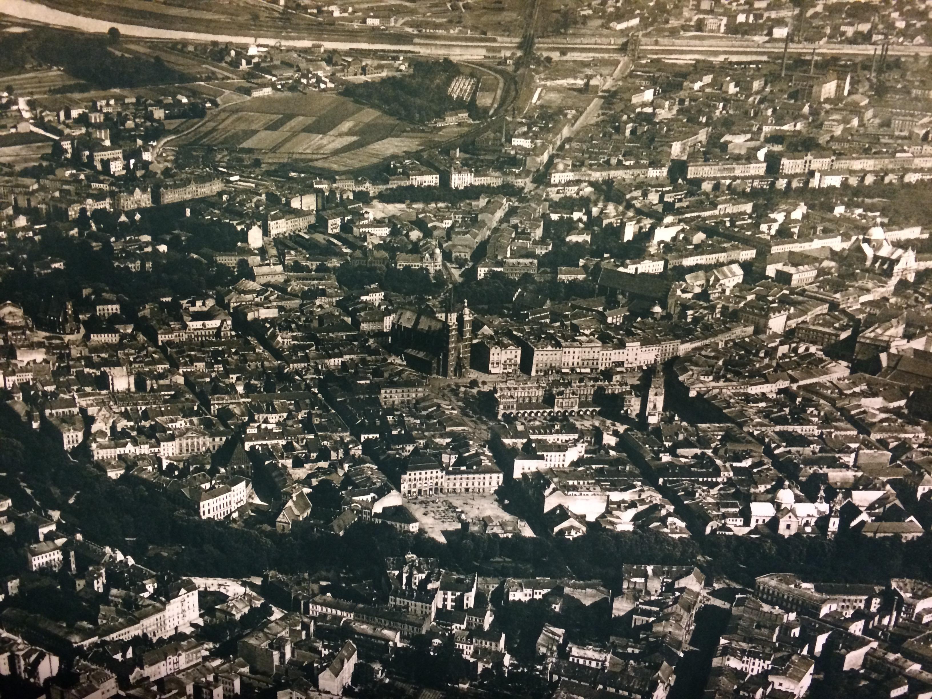 Centro histórico de Cracóvia antes da Segunda Guerra Mundial. (Foto: Nathalia Tavolieri)