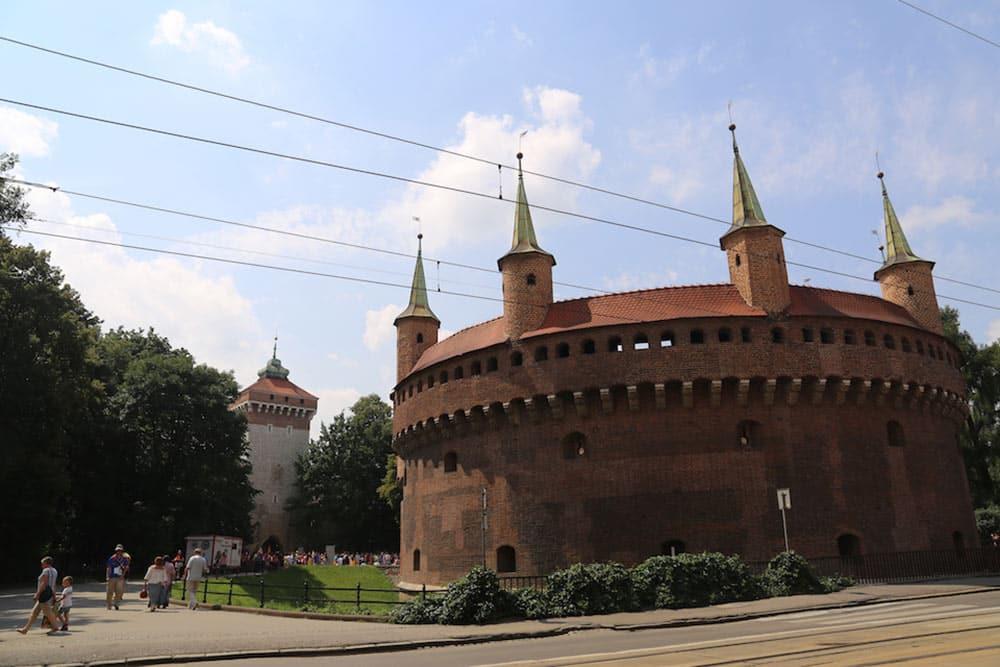 Barbakan, fortaleza em Cracóvia! Descubra o que fazer na cidade nesse post!