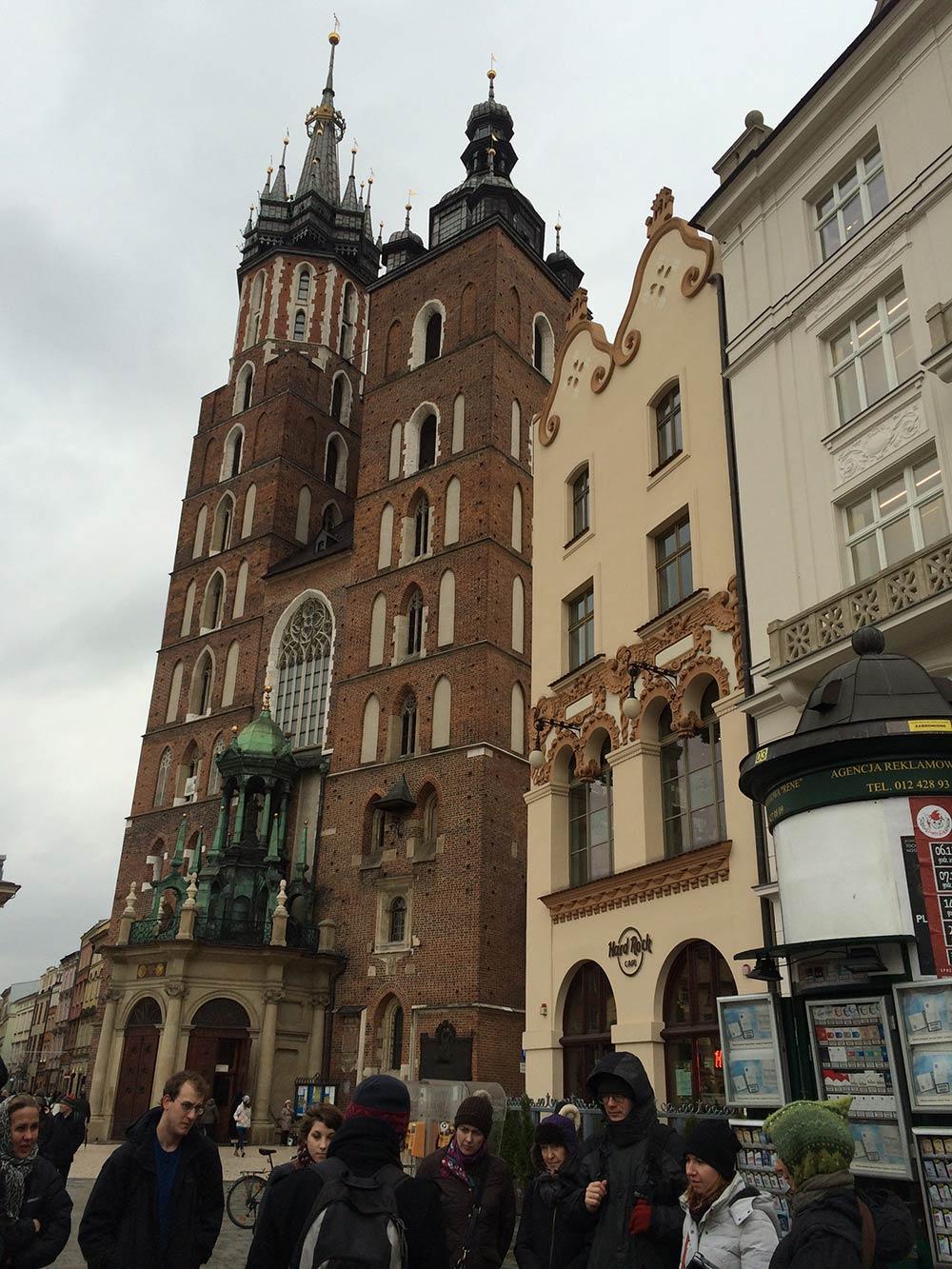 Descubra tudo sobre a Basílica de Santa Maria e outras atrações de Cracóvia nesse post!