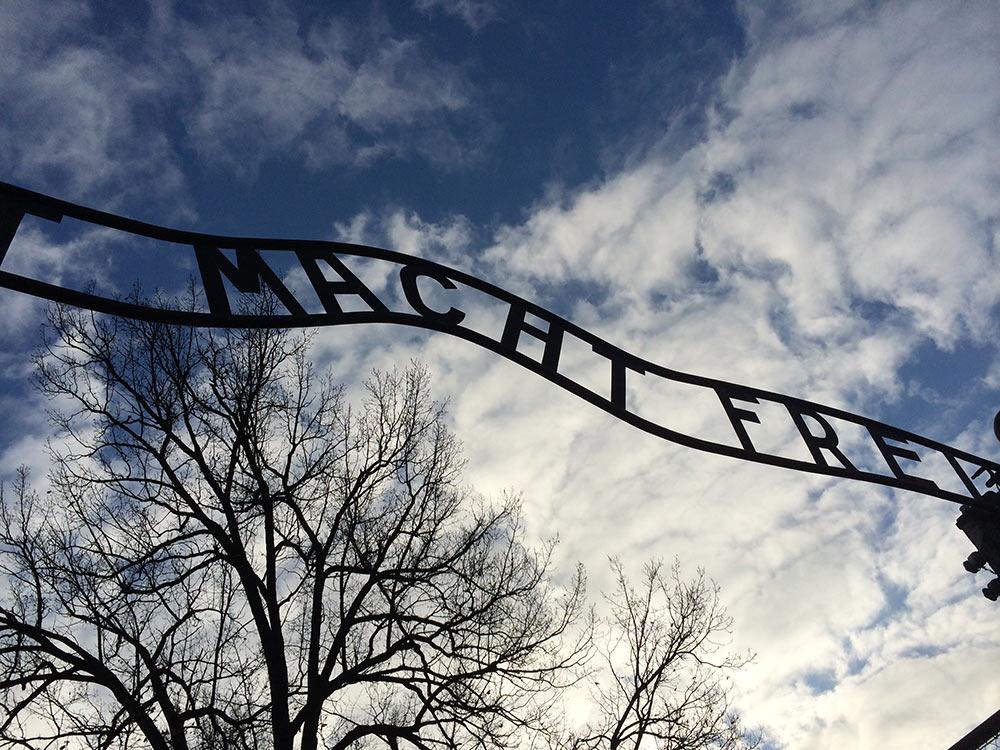 Veja como é visitar os campos de concentração na Cracóvia nesse post