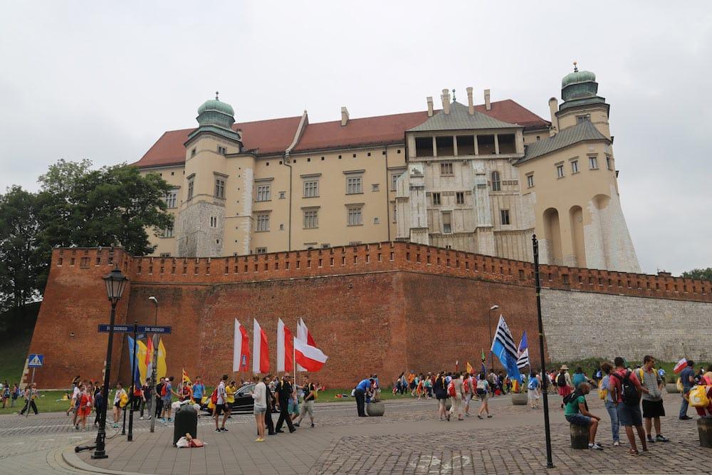 O castelo de Wawel é um dos principais pontos turísticos da Cracóvia! Veja o que mais fazer na cidade no post!
