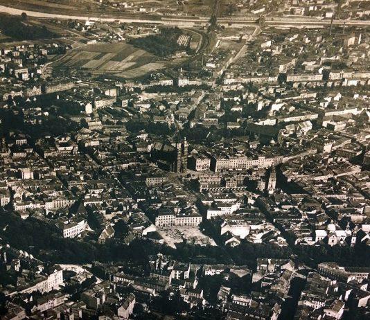 Centro histórico de Cracóvia antes da segunda guerra mundial. Veja o que fazer na cidade e a melhor estação para visitá-la nesse post!