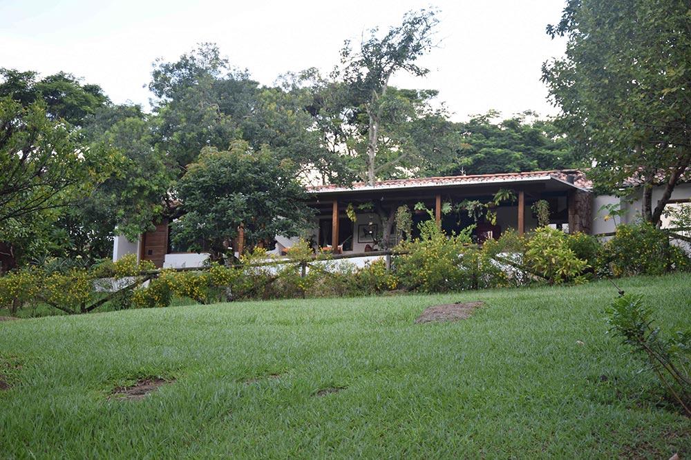 Um dos Chalés da Fazenda Capoava, ótimo hotel perto de São Paulo! Conheça mais sobre essa opção de hospedagem no post!