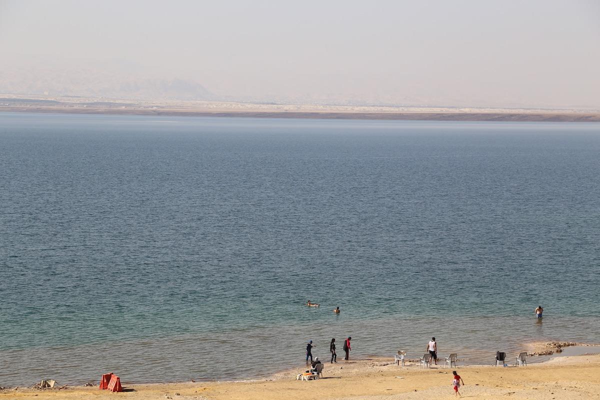Turistas em Amman Beach. (Foto: Nathalia Tavolieri)